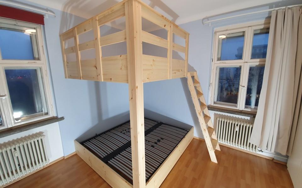 Vier Betten in einem Hochbett! Wo gibt es den so etwas? Wir die Menke Concept GmbH planen und realisieren ihr individuelles Hochbett nach ihren Wünschen und Vorstellungen exakt auf Maß. Nach nur 8 Stunden Montagezeit, ziehen sie wieder schnell und sorgenfrei in ihr neues zu Hause ein und genießen den neu geschaffenen Wohn-Raum-Traum.